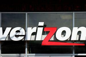 The entrance to a Verizon Wireless store in Santa Fe, New Mexico