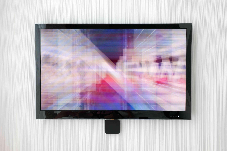Flat Screen TV on Designer Wall (XXXL)