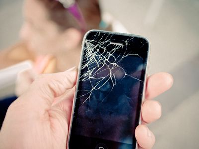 The Best Options for Repairing a Cracked iPhone Screen