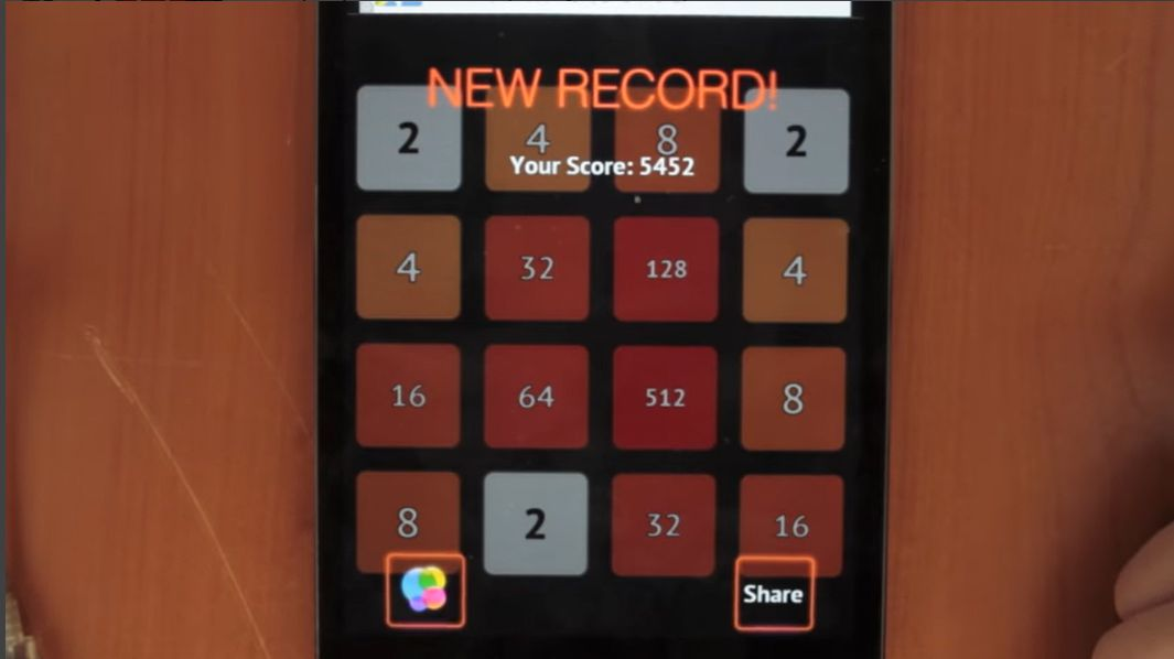 A player sets a new record in 2048 for Wear