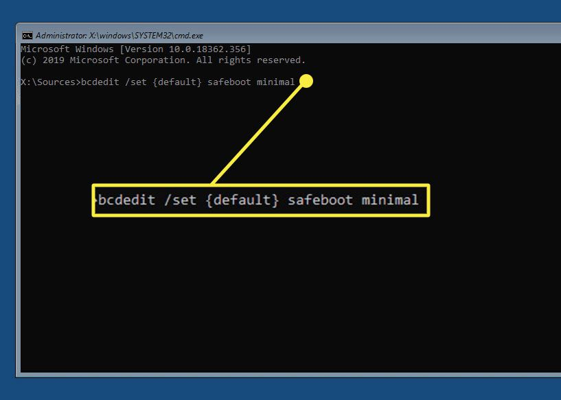 bcedit safeboot command in Windows 10 command prompt.