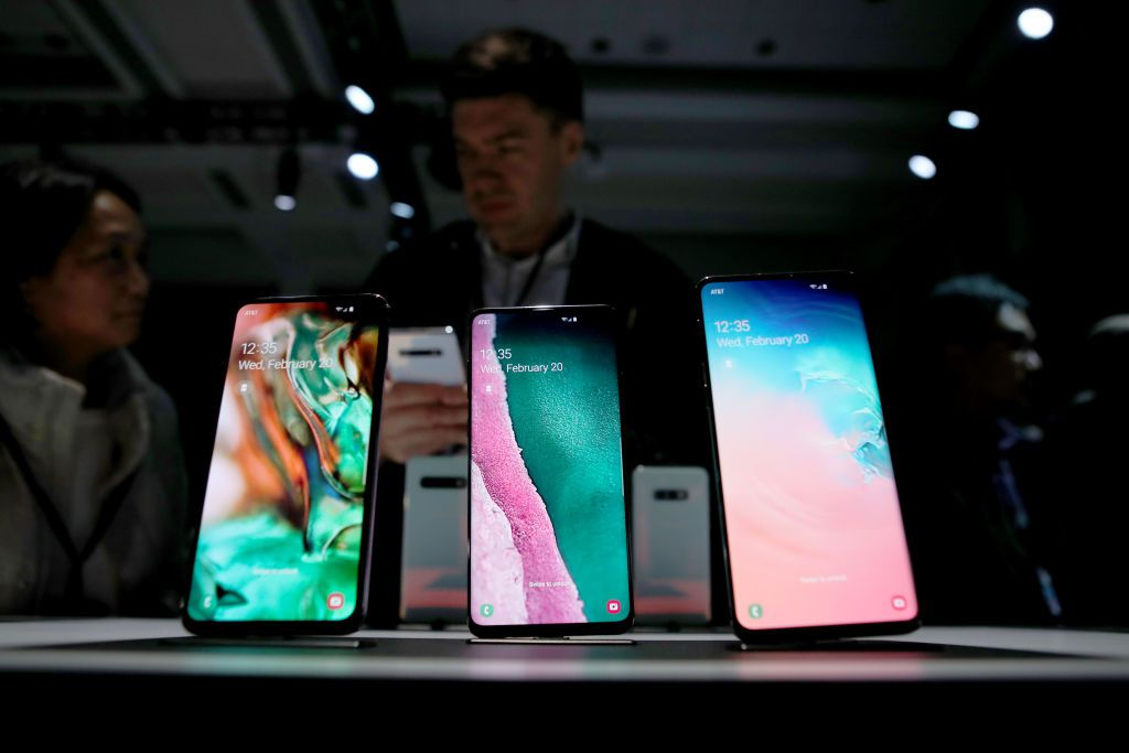 b15eb3f52aab70 Samsung Galaxy S10 phones, plus the rest of the S-series
