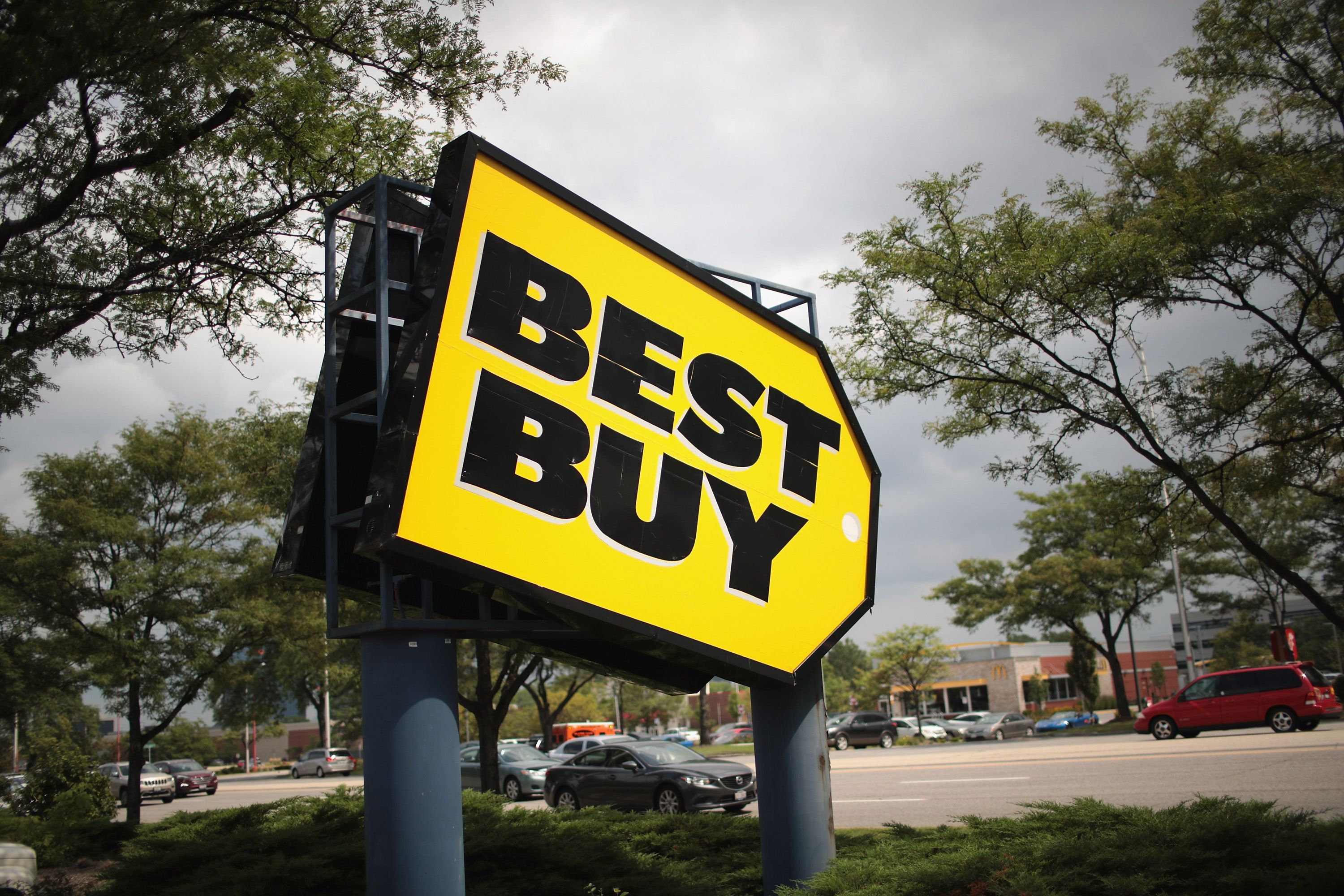 An image of the Best Buy sign.