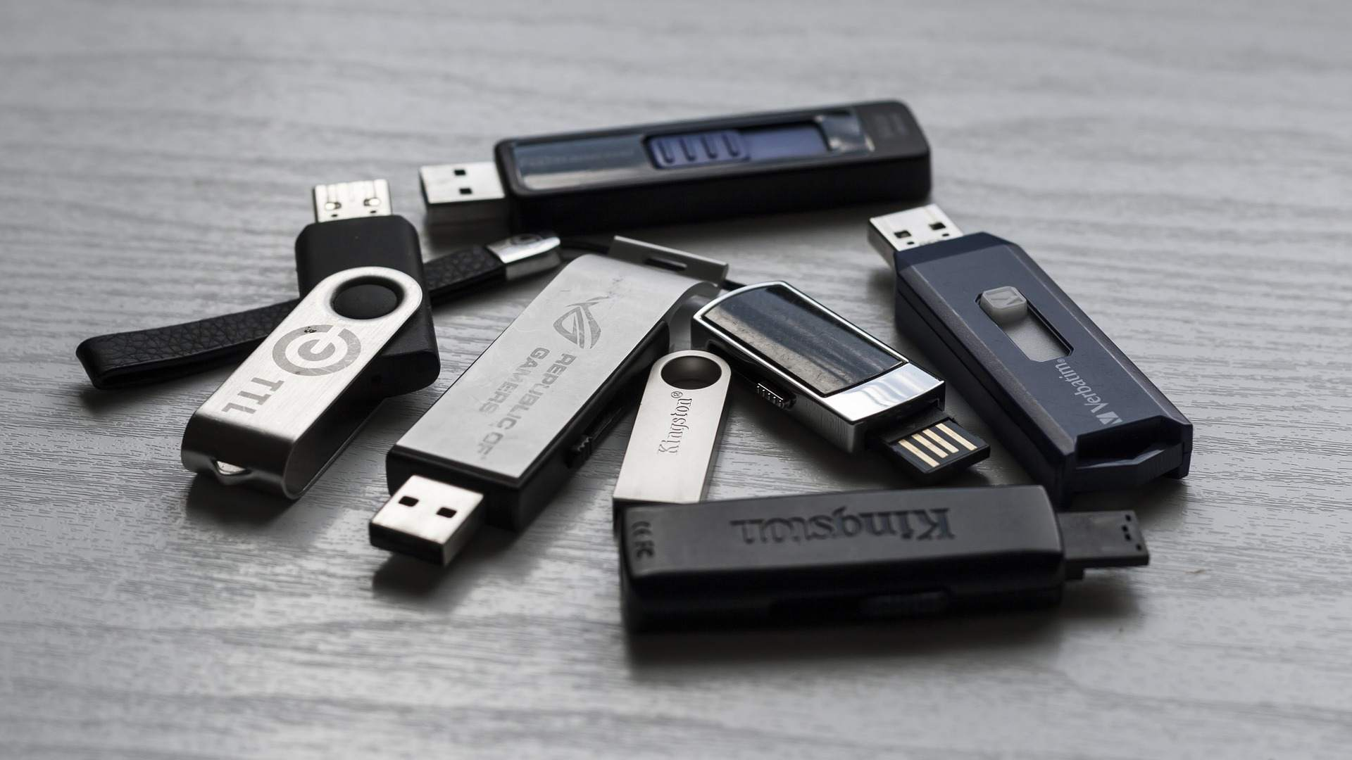 How to Select the Right USB Flash Drive