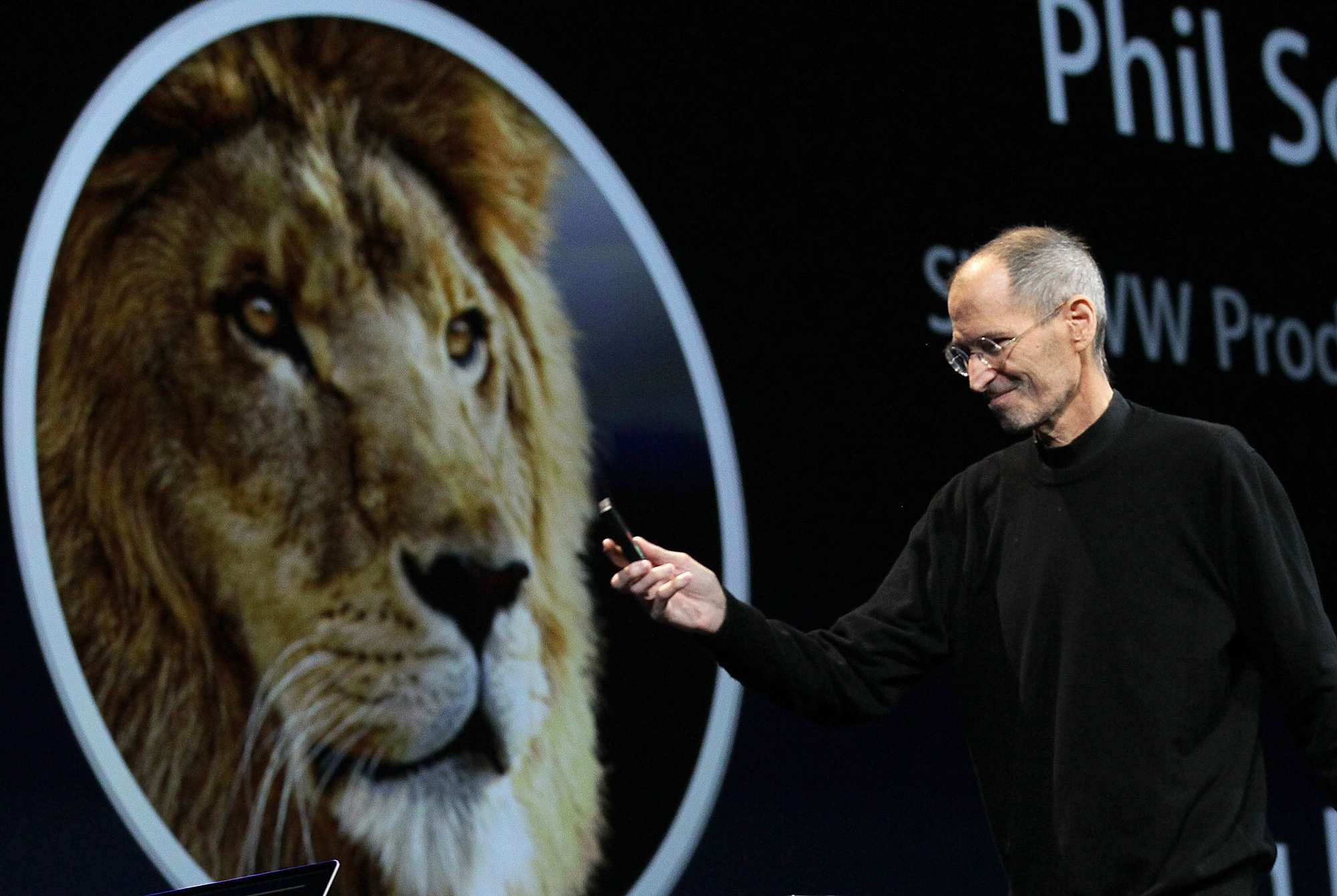 Steve Jobs Introduces OS X Lion