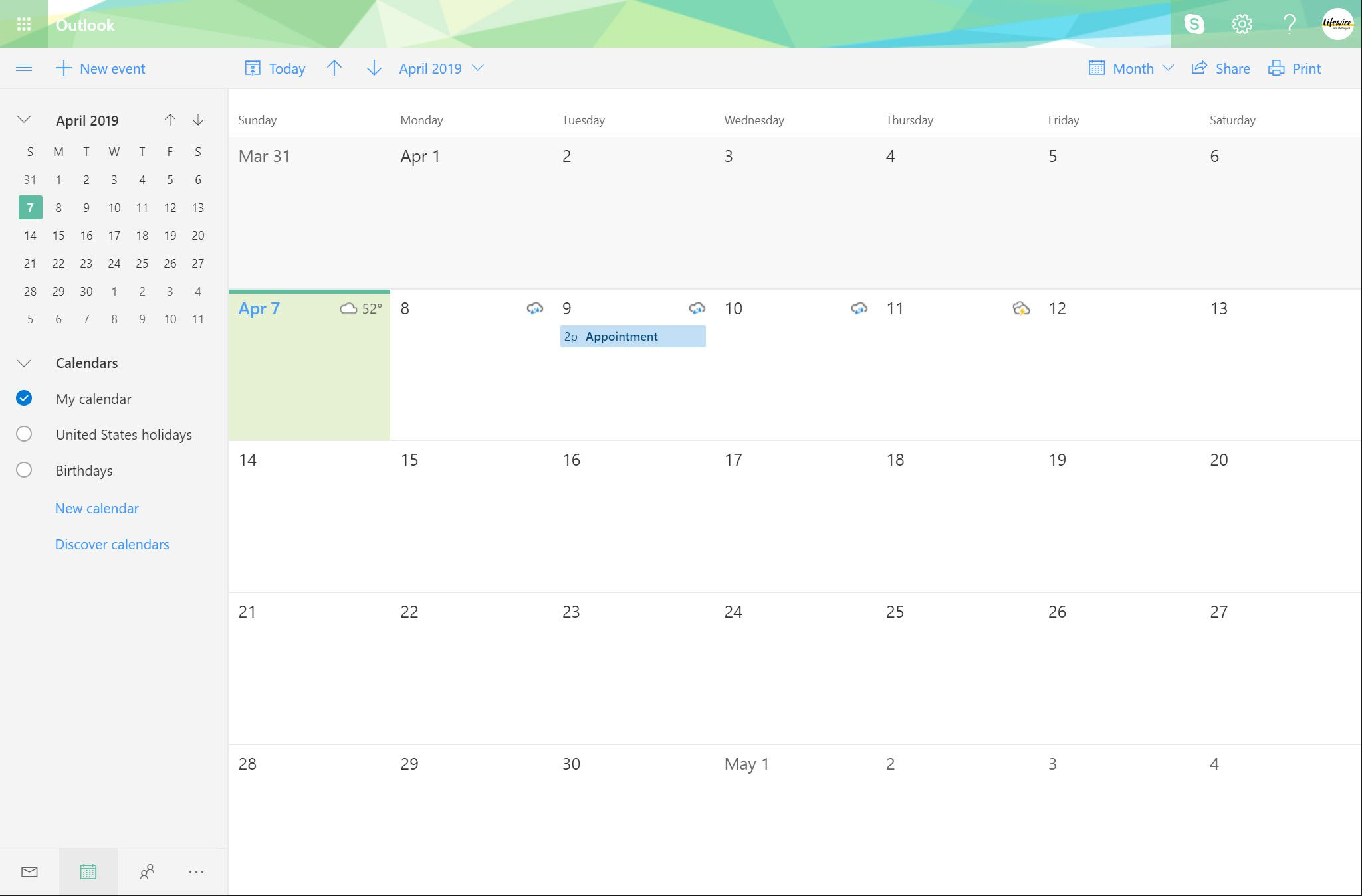 Outlook.com page with Calendar selected