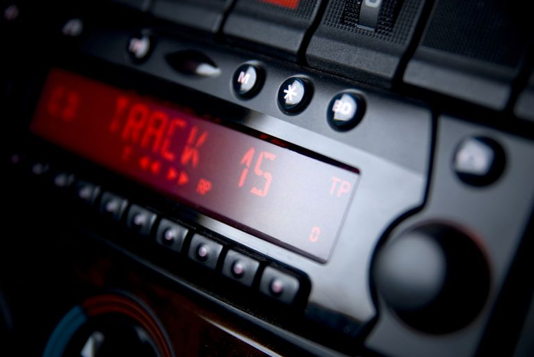 How to Fix a Car Radio That Won't Turn Off