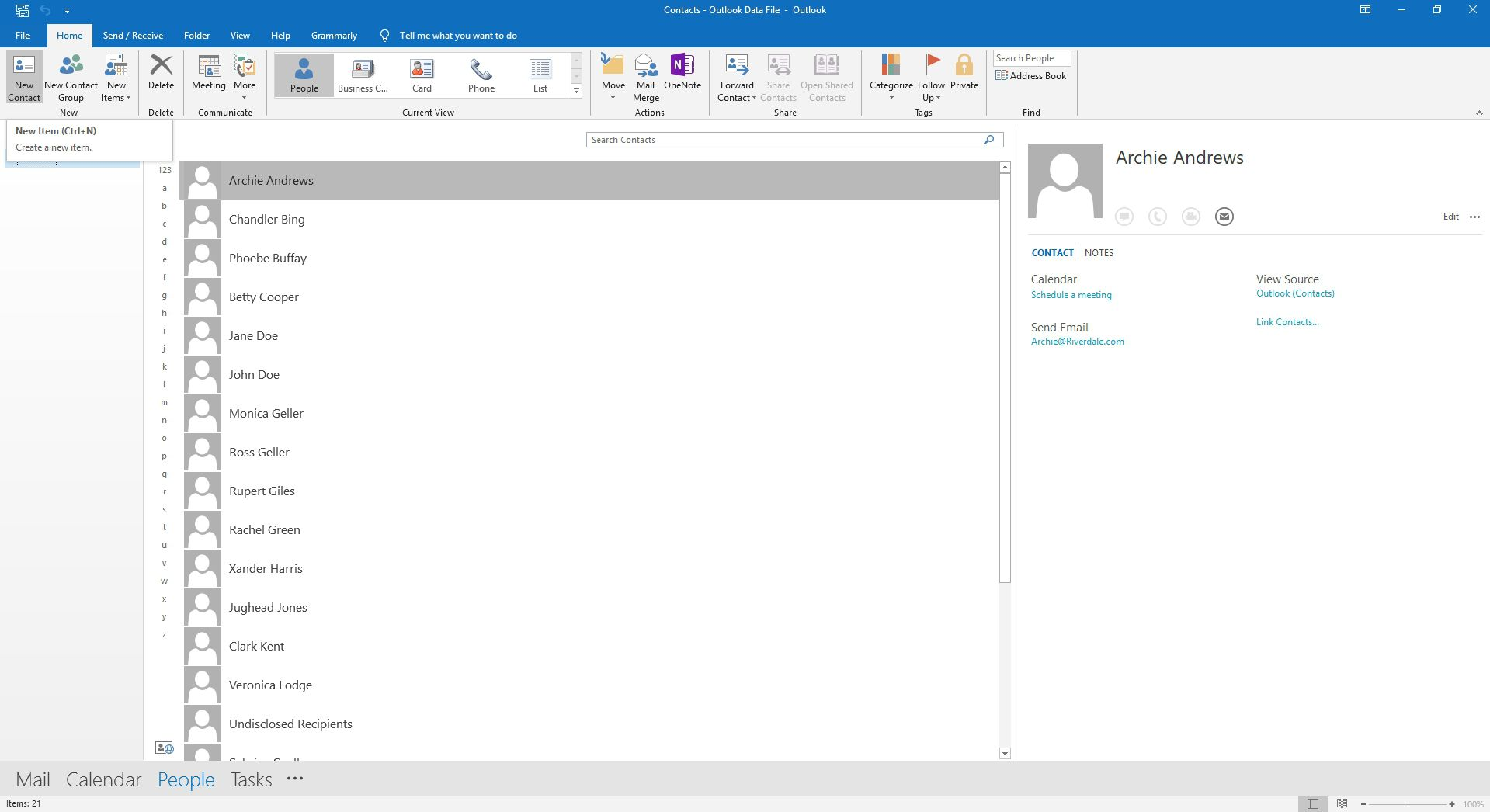 Selecting the new contact option in Outlook