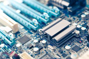 Motherboard chipset under a passive heatsink.