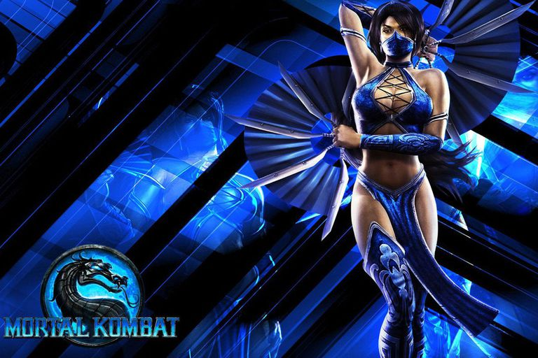 Mortal Kombat (2011) fighter Kitana poses with her fans