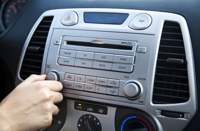 What to do when your car radio wont turn on