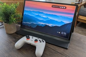 Chromecast connecting to Stadia on a desktop monitor.