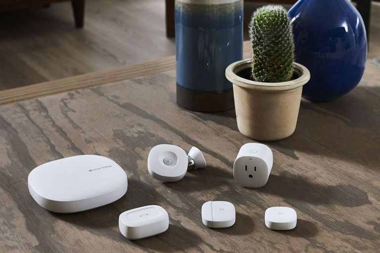 What is the Samsung SmartThings Hub?