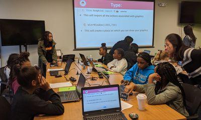 A group of girls at a TechGirlz event.