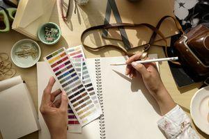 A stationary designer.