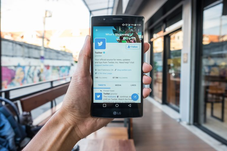 how to delete your twitter account on iphone 4