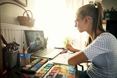 Art student using YouTube