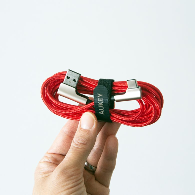 AUKEY 90-Degree USB-C Cable