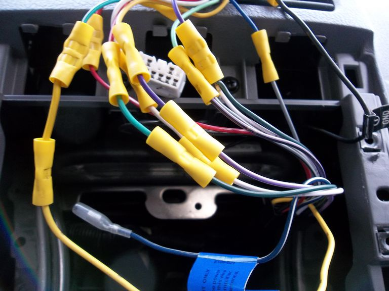 Car amp wiring crimped together