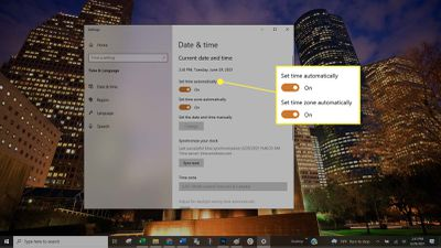 Turning on automatic date and time settings in Windows 10.