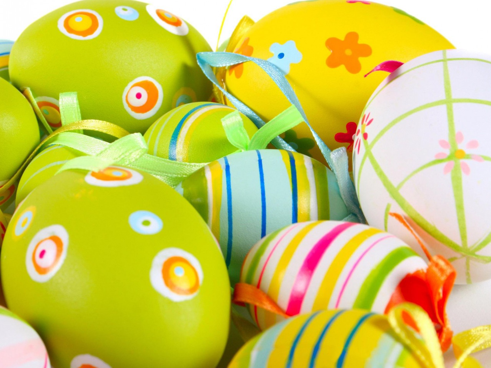 Yellow And Multicolored Easter Egg Wallpaper