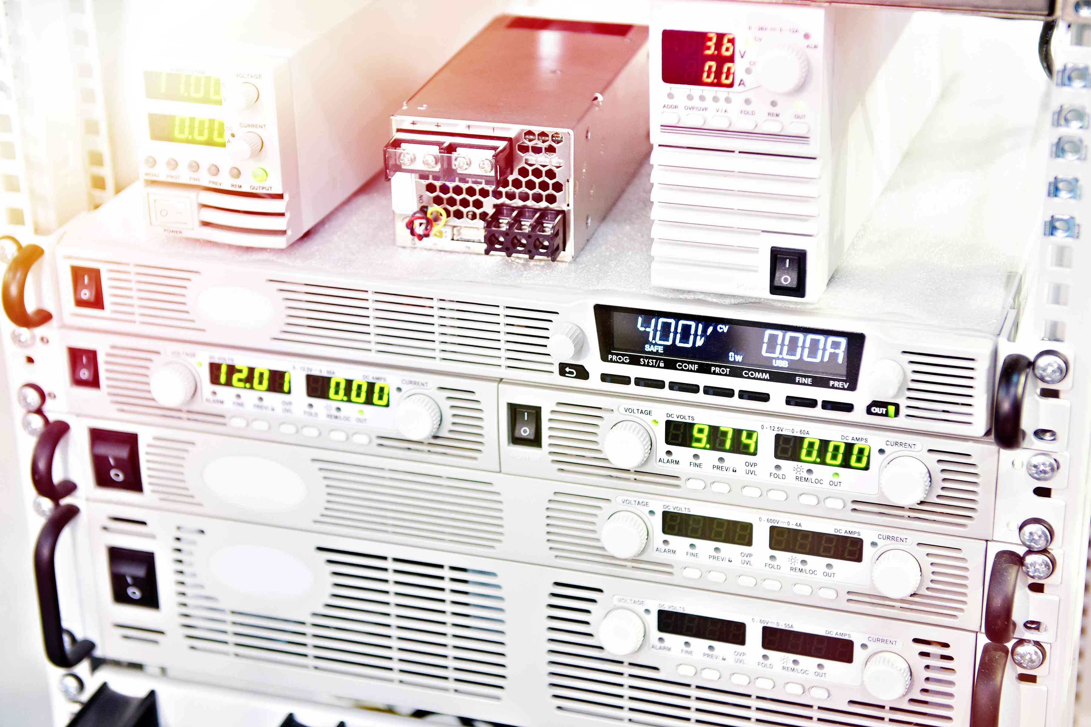 Electronic programmable power supplies