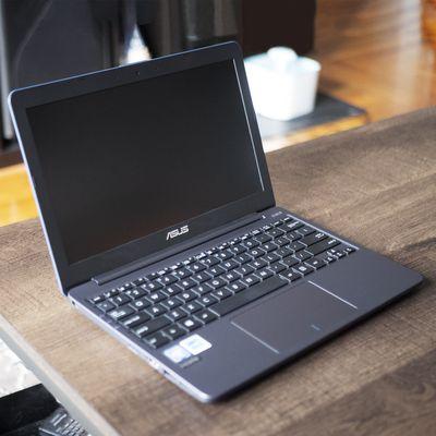 Asus Vivobook 11