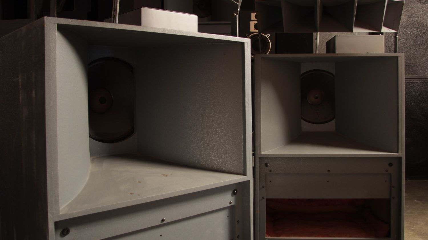Why Audiophiles Love Vintage Horn Speakers