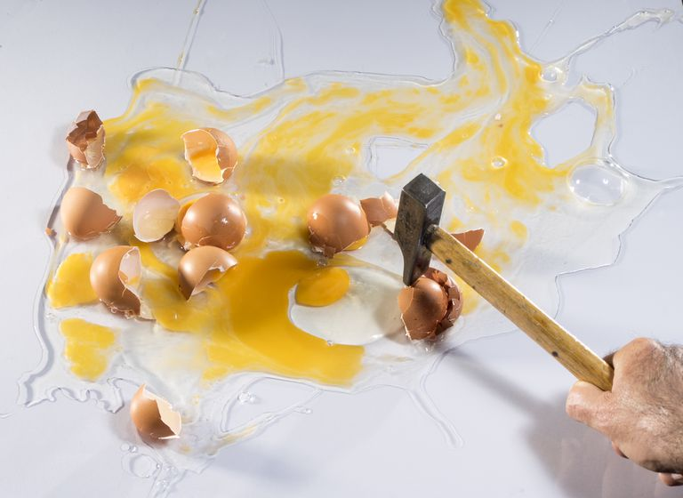 A hammer smashes eggs.
