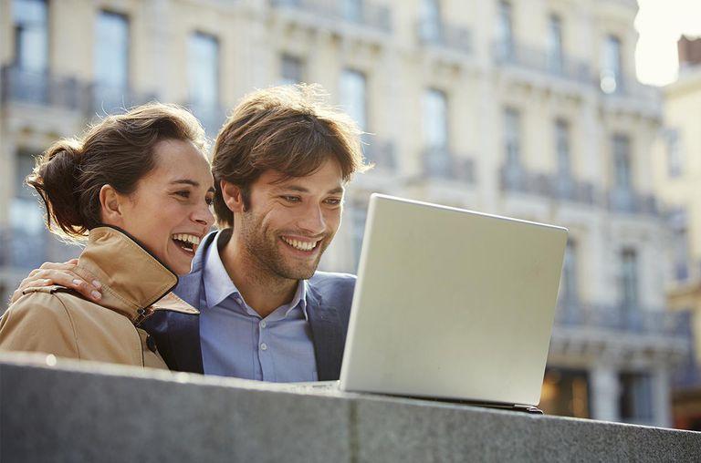 Couple enjoying Toulouse, France