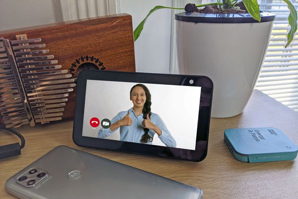 A video call on an Echo Show 5.
