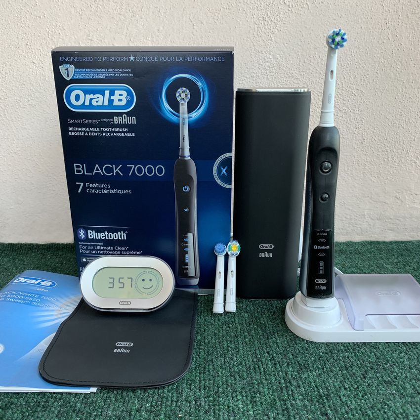 Oral-B 7000 Rechargeable Electric Toothbrush