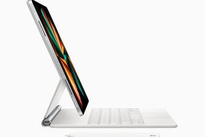 2021 iPad Pro side view with Magic Keyboard attached