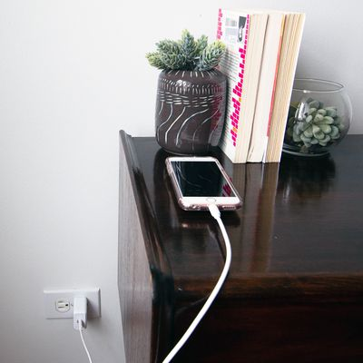 Quntis PD Fast Charger and Cable Review
