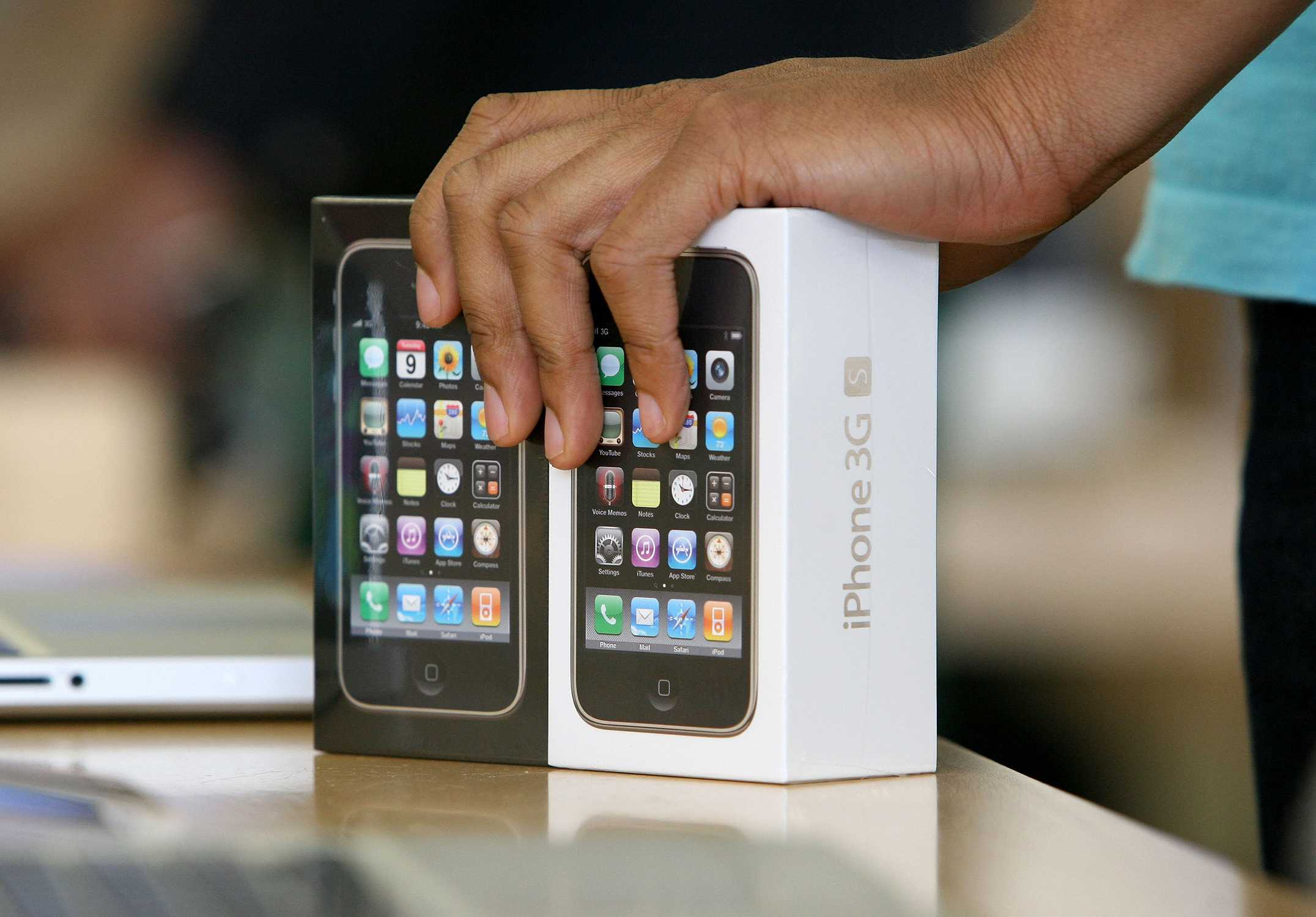 iPhone 3GS in the box
