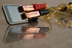 Smartphone and jumper cables