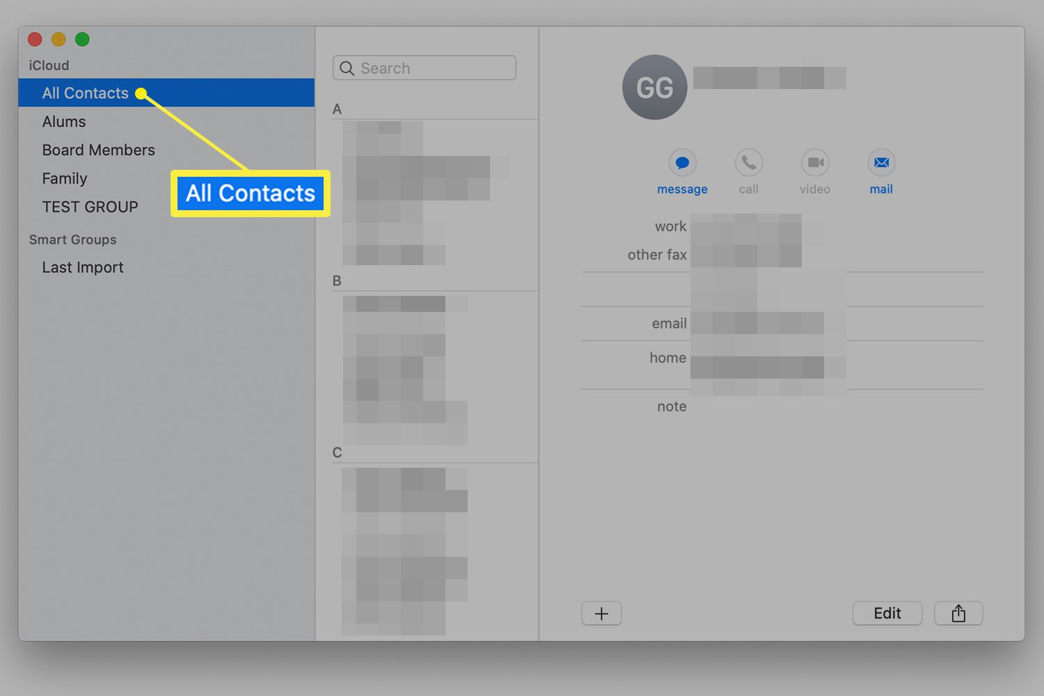 Selecting All Contacts in the Contacts app on a Mac