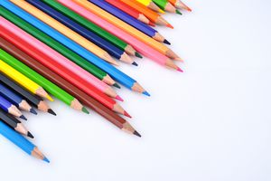 several sharpened colored pencils