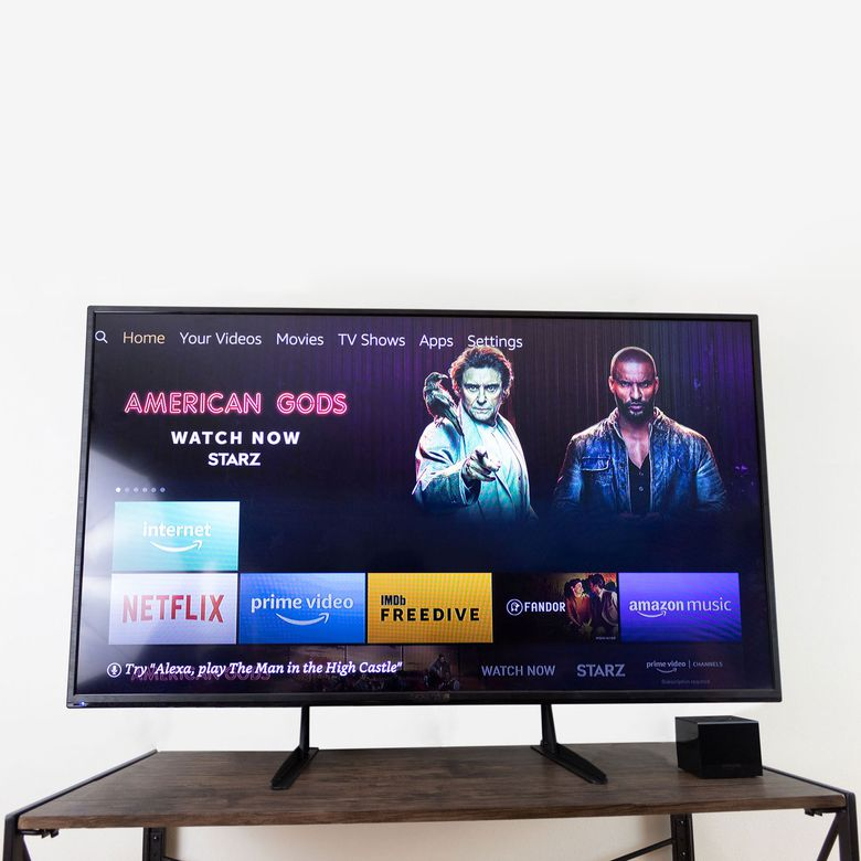 Vivo Universal TV Stand