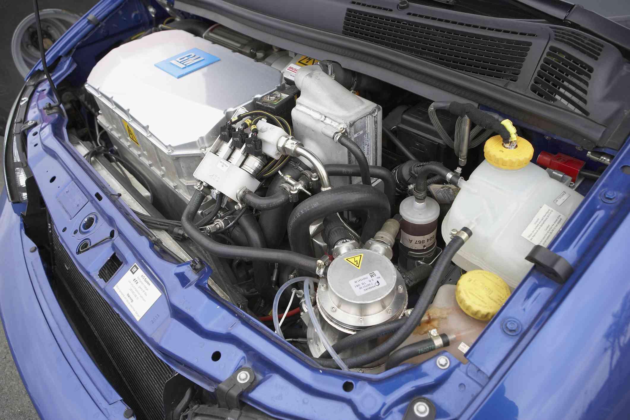 HydroGen 3 Fuel Cell Minivan Engine