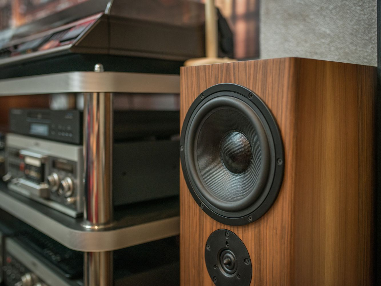 Troubleshooting a Home Theater System Loudspeaker
