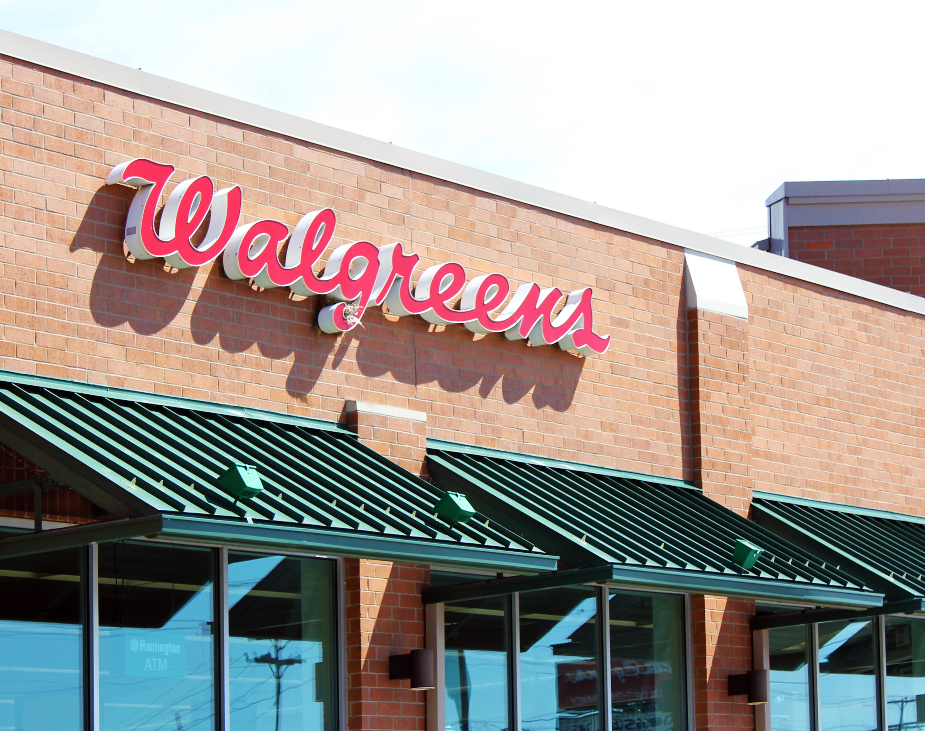An image of the Walgreens sign.