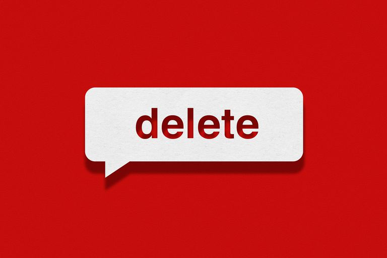 Speech bubble on red background, Delete