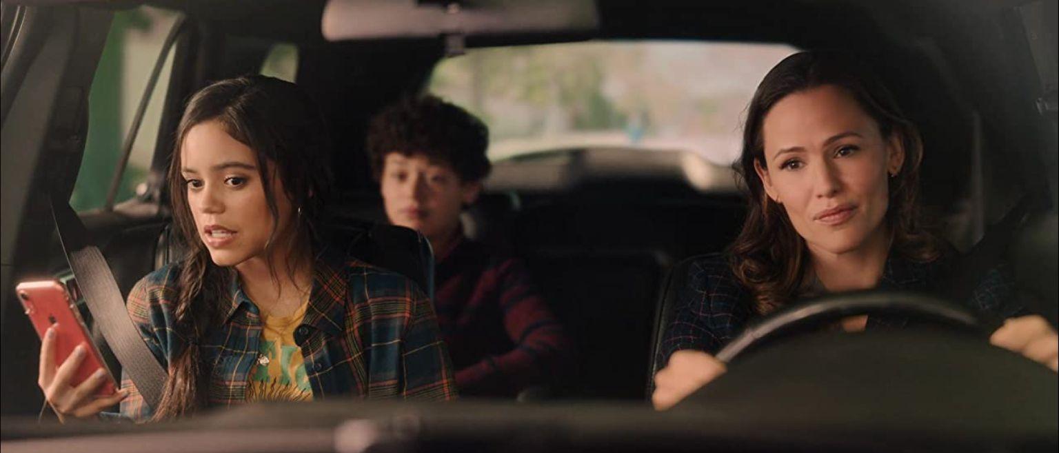 Jennifer Garner and Jenna Ortega in 'Yes Day'