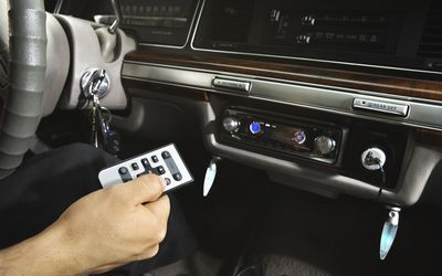 What's the Difference Between USB and Aux?