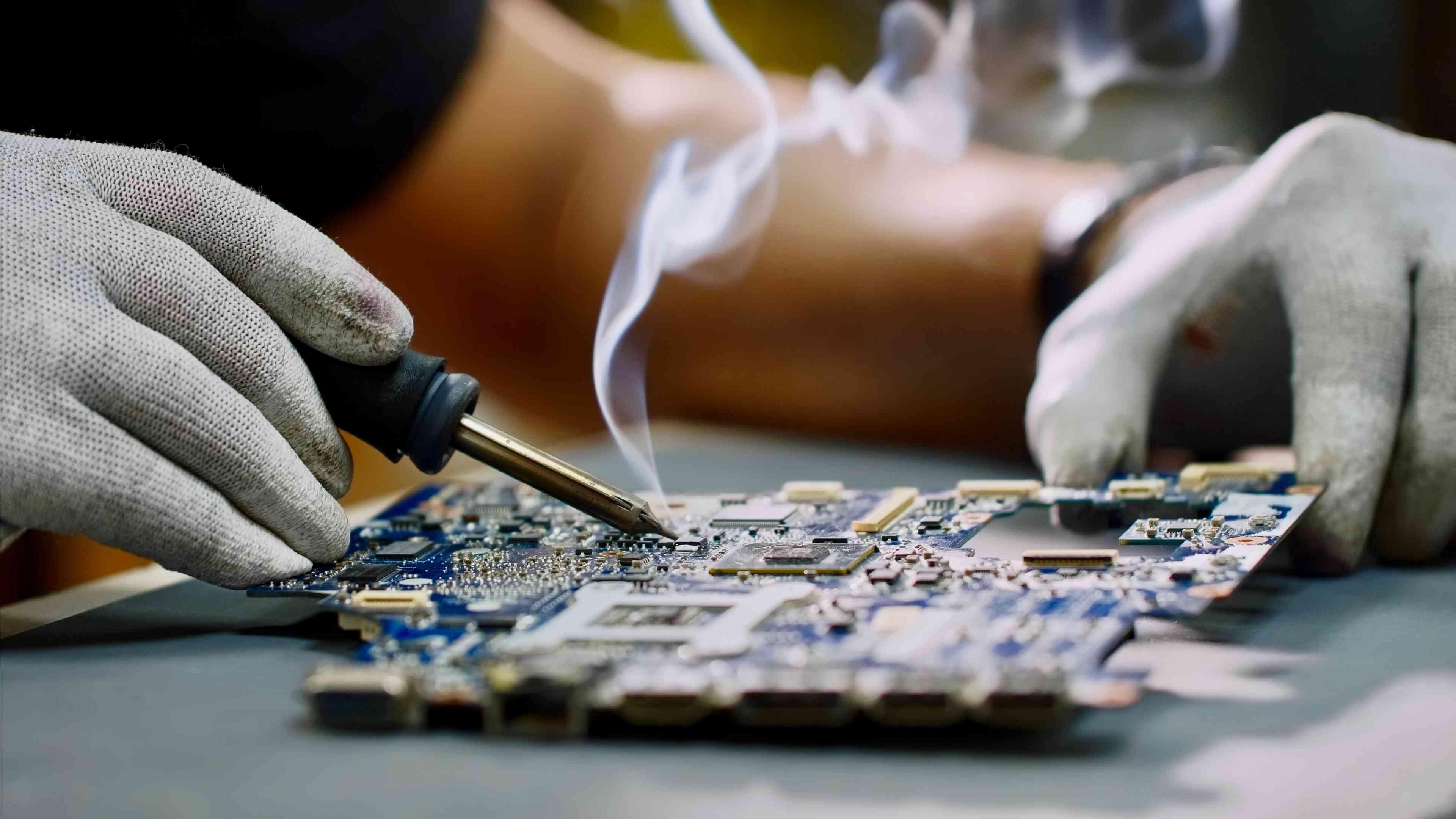Soldering a printed circuit board