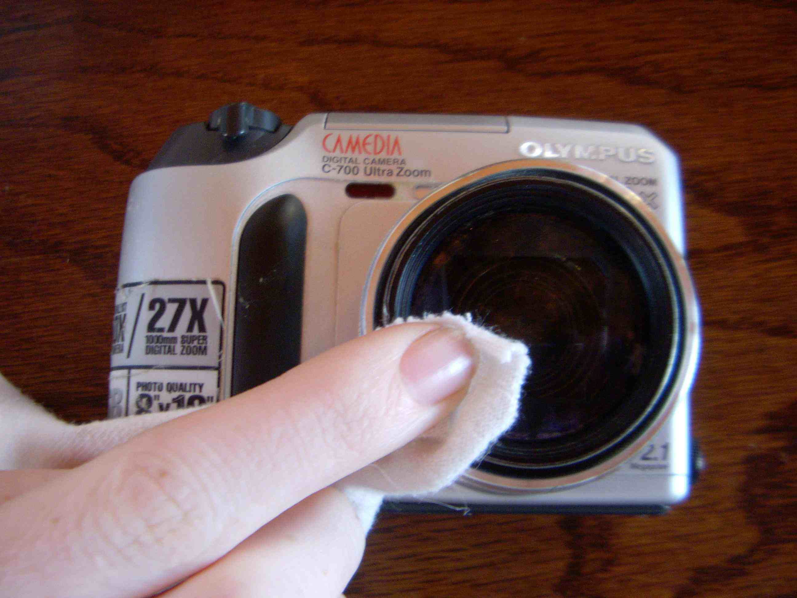 Cleaning Digital Camera Lens on the Go