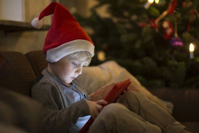 The Best iPhone Apps to Help You Get Into the Christmas Mood