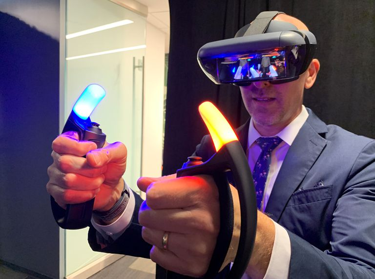 Lance Ulanoff trying out the Lenovo Mirage AR