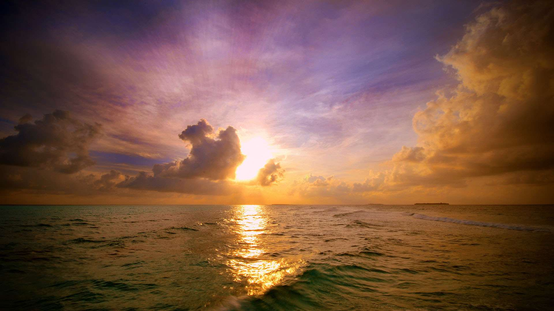 13 Free Ocean Wallpapers For Your Desktop or Phone